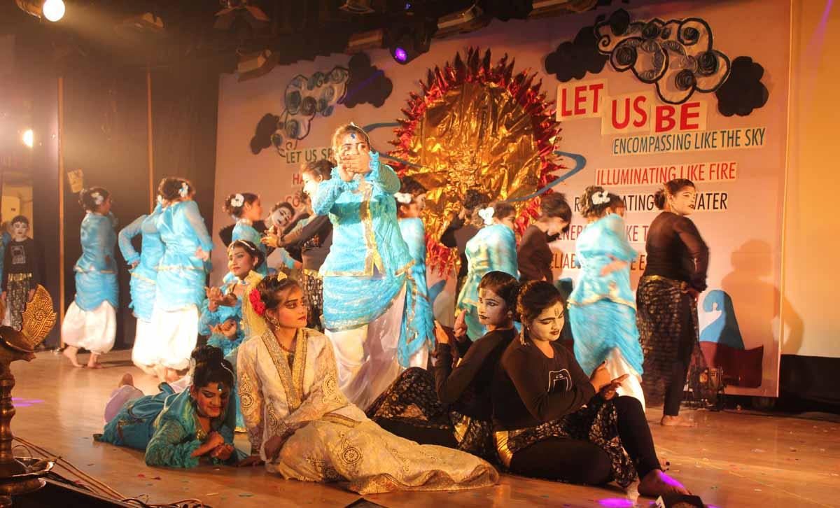 Bengali dance drama by Senior students